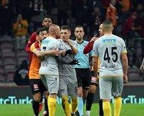 Galatasaray - Malatyaspor maçında gerginlik!