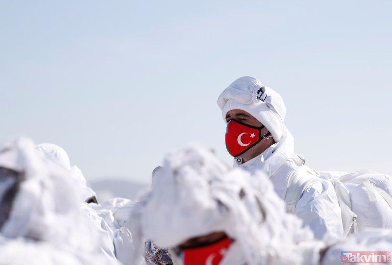 Türkiye şov yaptı! TSK'dan nefes kesen Kış-2021 tatbikatı