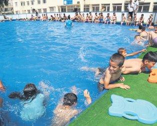 Okul bahçeleri havuz oldu