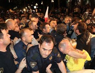 Gürcistan'da protestocular ve polis arasında arbede! Putin'den tahliye kararı