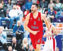 CSKA'lı Alec Peters Anadolu Efes'e