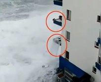 Korkunç görüntü! Dev dalgalar 3'üncü kata kadar ulaştı
