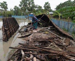 Bangladeş'i ve Hindistan'ı Bulbul Kasırgası vurdu: Çok sayıda ölü var