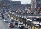 İstanbul'da bugün: Metrodan sonra Metrobüste de uzun kuyruklar oluştu