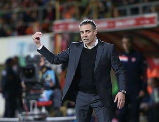 Fenerbahçe taraftarından Ersun Yanal'a istifa çağrısı