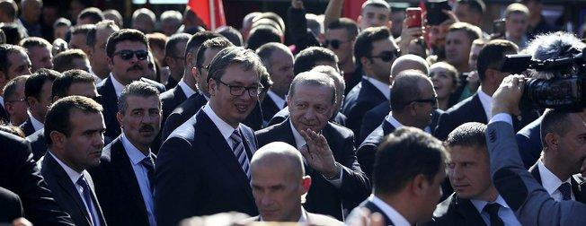 Cumhurbaşkanı Erdoğana Sırbistanda sevgi seli