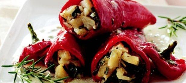 Pazılı ve Patatesli Kırmızı Biber Dolması Tarifi