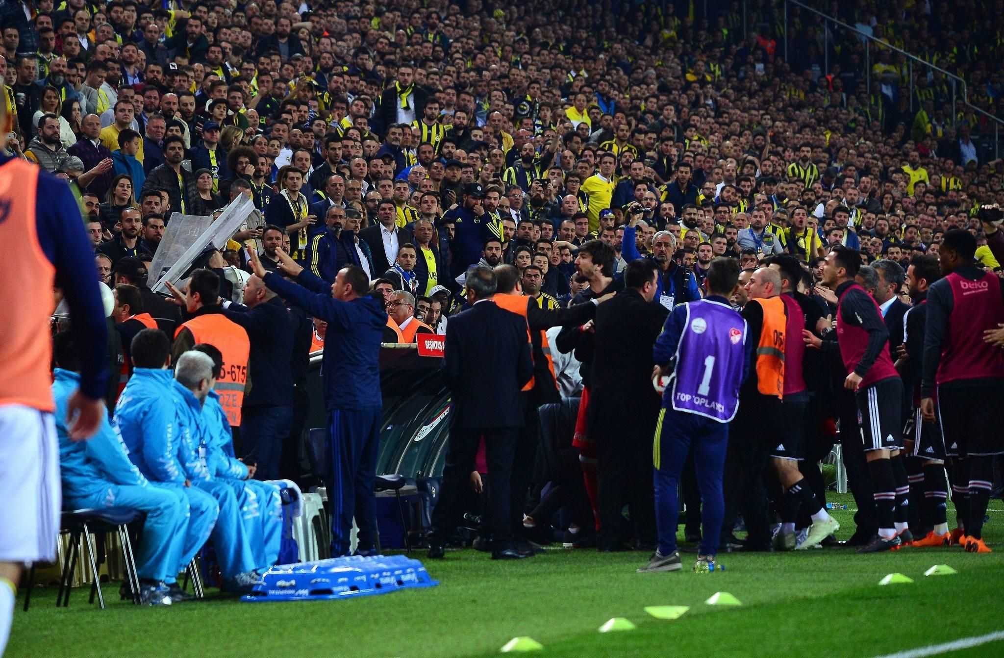 """Olaylı """"Fənərbaxça"""" - """"Beşiktaş"""" matçı ilə bağlı yekun qərar verildi - <font color=#ff0000>RƏSMİ</font></strong>"""