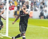 Cenk Tosun golleriyle Gomez'i solladı