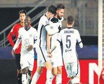 Sevilla ve Chelsea üst turu garantiledi
