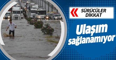 Son dakika... Ulaşıma sel engeli! Ankara-İzmir yolu trafiğe kapandı!
