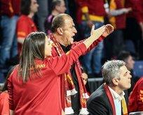 Fatih Terim, Fenerbahçe tezahüratını duyunca...