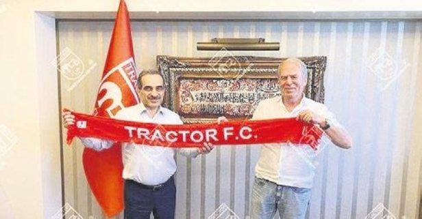 Mustafa Denizli yeniden İran'a gitti