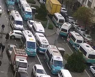 Tunceli'de minibüsçüler arasında 25 kuruş krizi!