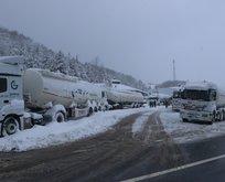 Bolu Dağı'nda ağır araçların geçişine 15 saattir izin verilmiyor