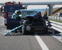 Feci kaza! Sıkışan sürücüyü itfaiye kurtardı