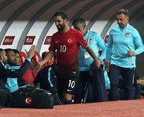 Başkan Özbek gözünü Arda Turan'a dikti