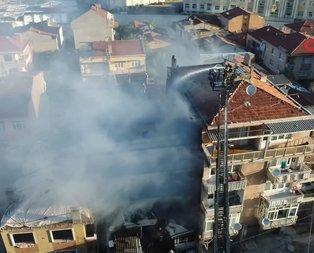 Kadıköy'de yangın! 2 kişi hayatını kaybetti