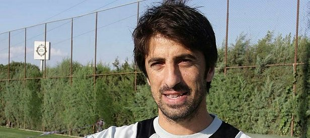 Ünlü futbolcu FETÖden tutuklandı