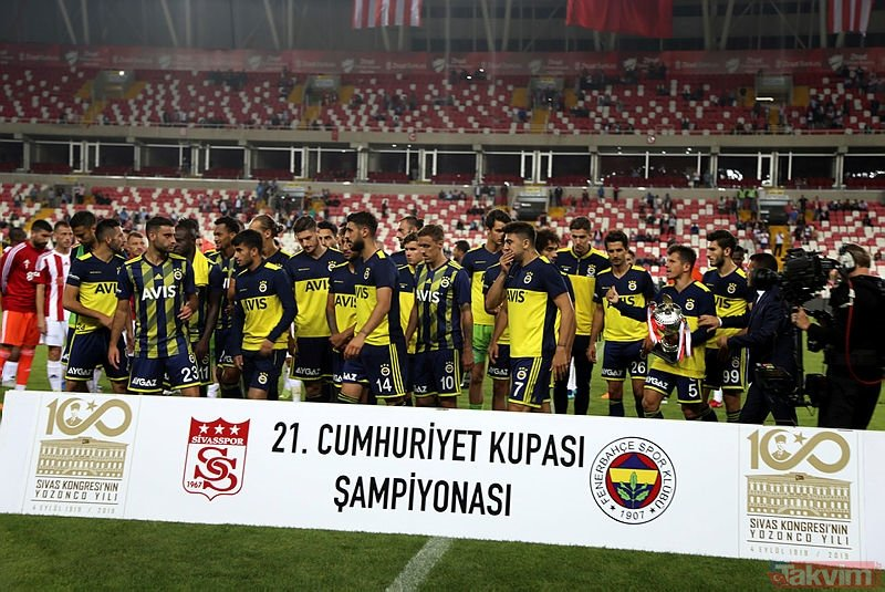 Son dakika transfer haberleri... Fenerbahçe'nin gündemindeki Kjaer'de flaş gelişme! Menajeri açıkladı...