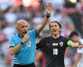 Cüneyt Çakır tarihe geçti! Avrupa Futbol Şampiyonaları tarihinde en çok maç yöneten hakem oldu