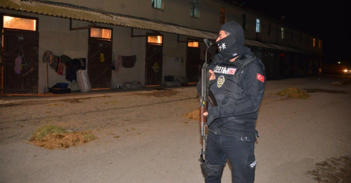 Adana Hipodromunda 751 polis ile hava destekli arama ile ilgili görsel sonucu