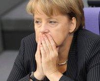 Avrupa'da yalnız kalan Merkel böyle ağlıyor