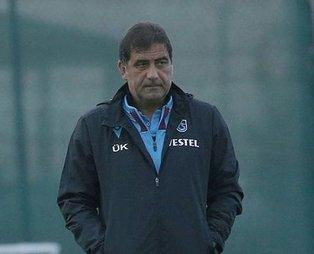 Trabzonspor Teknik Direktörü Ünal Karaman Basel maçı öncesi basın toplantısı düzenledi