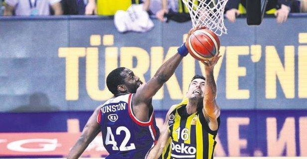 Fenerbahçe ve Efes 4'üncü randevuda