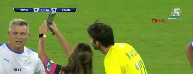 Brezilya'da kadın hakem, Kaka ile selfie için bakın ne yaptı!