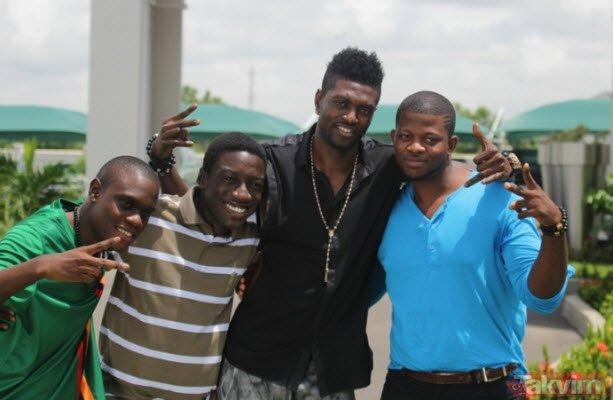 Başakşehir forması giyen Adebayor'un ailesi hakkında şoke eden gerçekler!
