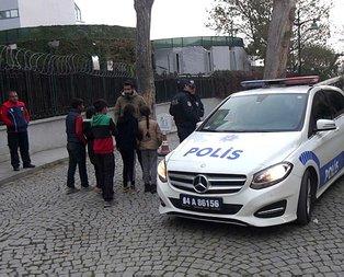 Taksim'de iğrenç olay! Küçük çocuklar hemen polise koştu