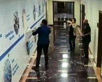 CHP'li Meclis üyesi İBB koridorlarında afiş parçaladı!
