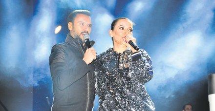 Demet Akalın ve Alişan, 6 yıl aradan sonra ilk kez aynı sahnede konser verdi