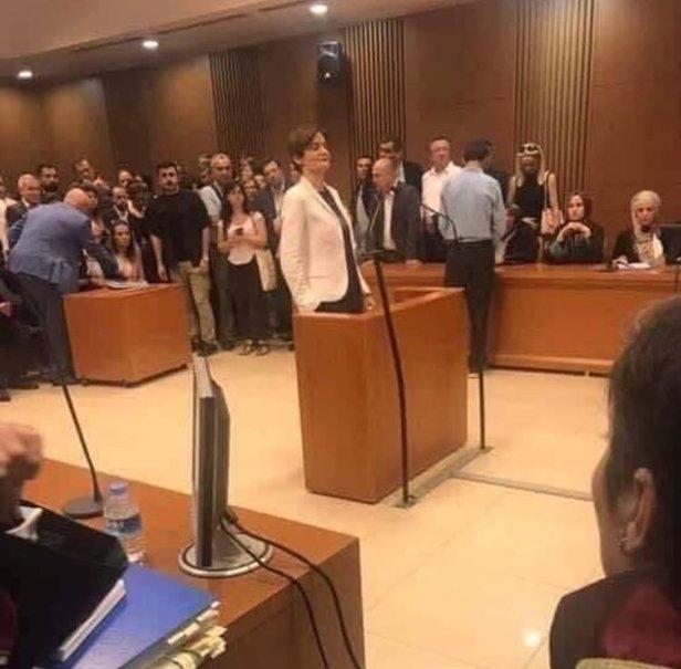 Canan Kaftancıoğlu eli cebinde mahkeme ile ilgili görsel sonucu