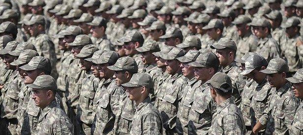 O kişiler için askerlik zorunluluğu kalkıyor