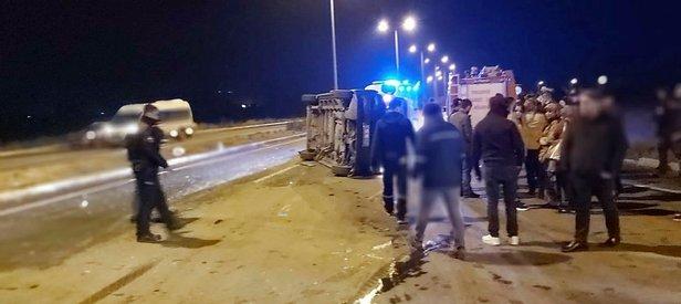 Eskişehir'de feci kaza! Fabrika işçilerini taşıyan minibüs otomobil ile çarpıştı: 8 yaralı