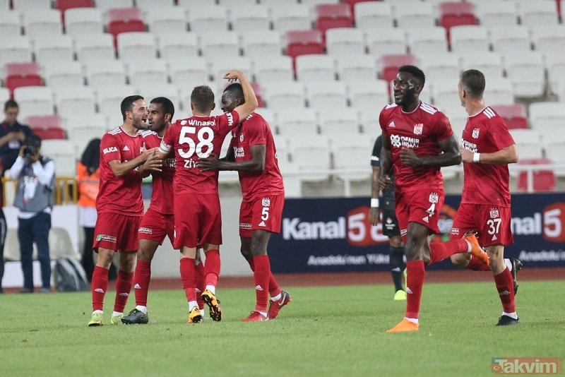 Kartal Sivas'ta dağıldı | Sivasspor:3 - Beşiktaş:0 Maç sonucu