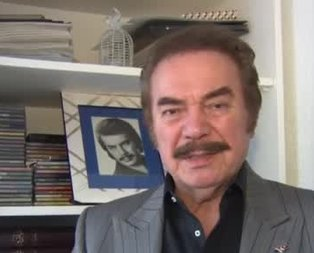 Orhan Gencebaydan Afrindeki Mehmetçike destek şiiri