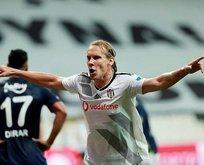 Kartal pençesi! Beşiktaş Fenerbahçe'yi 2 golle geçti