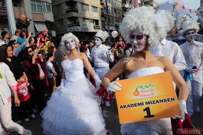 7'nci Portakal Çiçeği Karnavalı için Adana'ya binlerce kişi akın etti