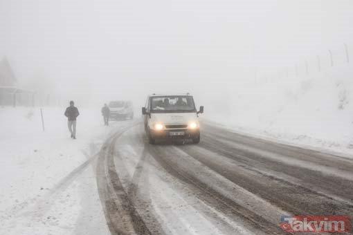 Baharda kar sürprizi! Kütahya Domaniç ve Bursa İnegöl'de kar yağışı etkili oluyor