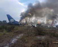İçinde 101 kişi bulunan yolcu uçağı düştü
