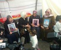 Emine Erdoğan'dan evlat nöbetindeki ailelere ziyaret