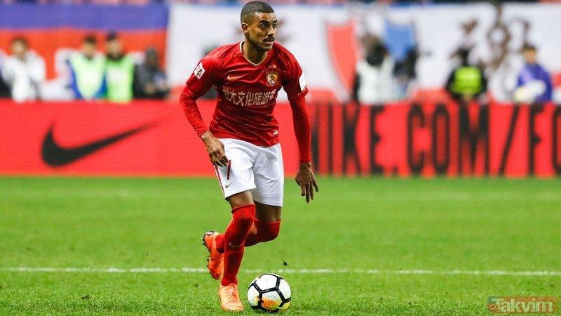 Galatasaray'da forvete Alan, stopere Luyindama!