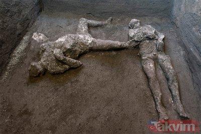 Pompei'deki büyük felaketten kaçmaya çalışırken kül oldular! Görenler şoke oldu! 2 insan bedeni...