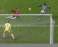 Diagne Premier Lig'i sallıyor! İngiliz gazetelerinde manşet oldu