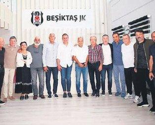 Efsanevi futbolcular Avcı'yı ziyaret etti