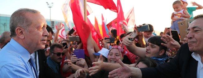 KKTCde Başkan Erdoğana coşkulu karşılama