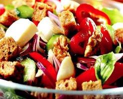 Kıtır Ekmekli Salata Tarifi